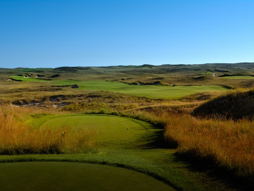 NO. 9 : SAND HILLS : 1ST HOLE